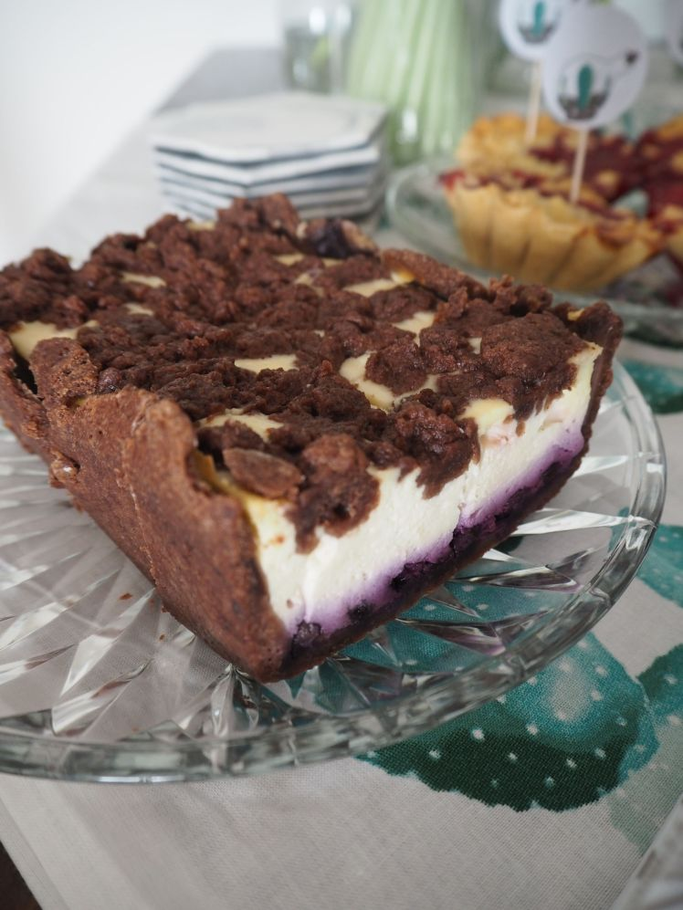 2016-07-summer-succulent-party-cake-recipe-blueberry (4)